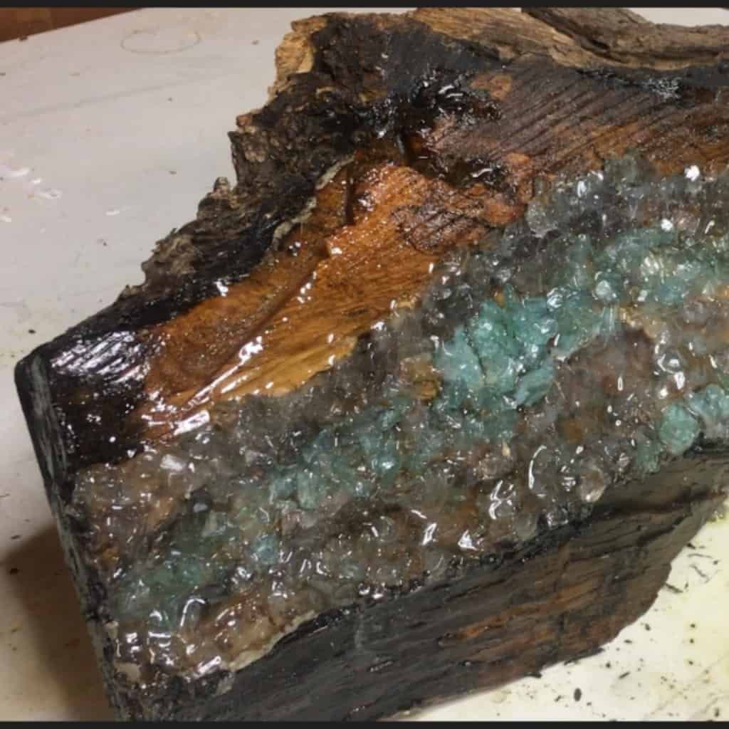 Sometimes things don't work out as well as you'd planned. This DIY project was just that. Nothing went the way I thought it would. But now I know how not to make a faux agate/geode river table. Lesson learned. #nerdymammablog #rivertable #diy