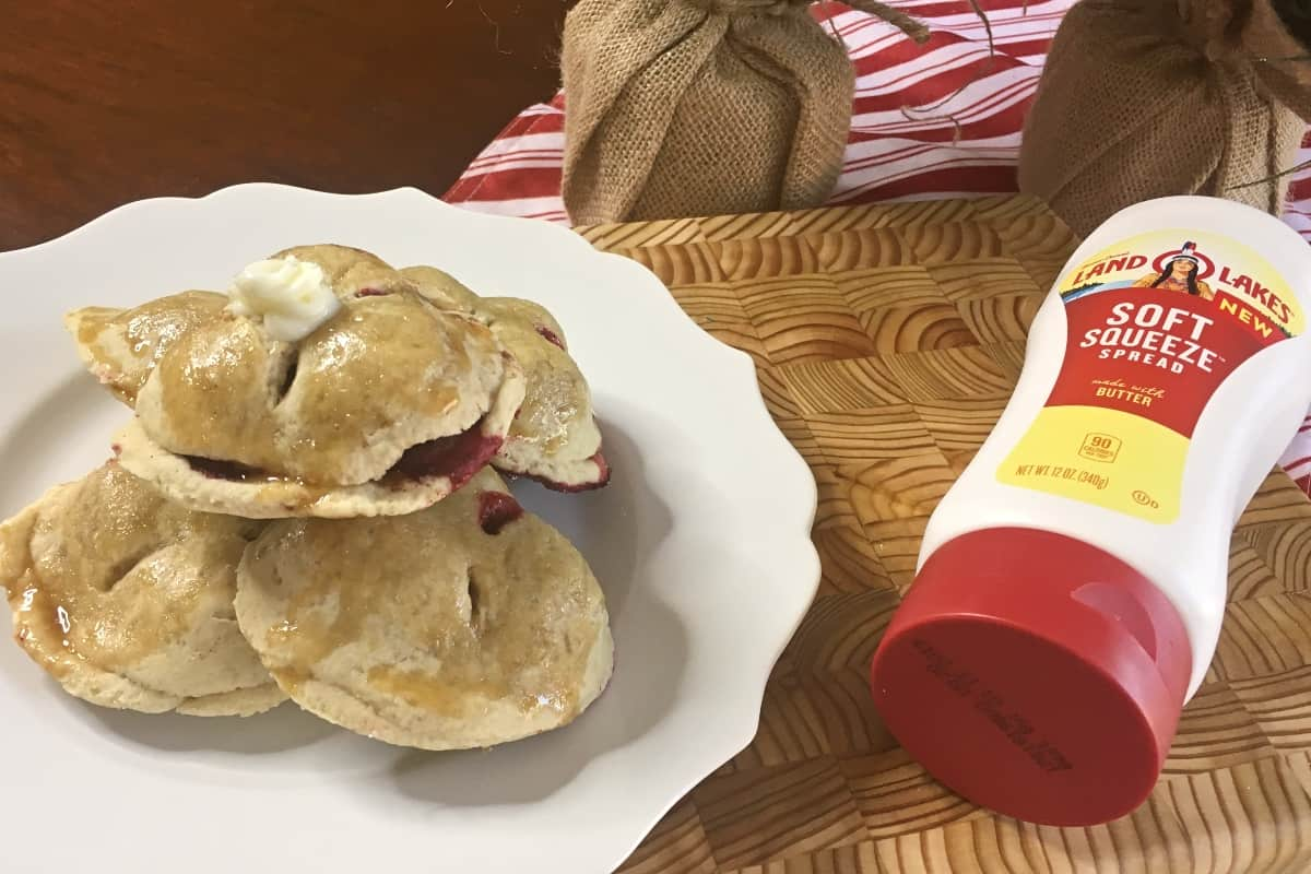 #ad I had an amazing idea. And it's this: Blackberry Hand Pies. Buttery pie crust made with @LandOLakesKtchn Soft Squeeze in a tiny hand pie that you can serve in a little stack instead of traditional holiday pies? I'm in. #nerdymammablog #EasySqueezy