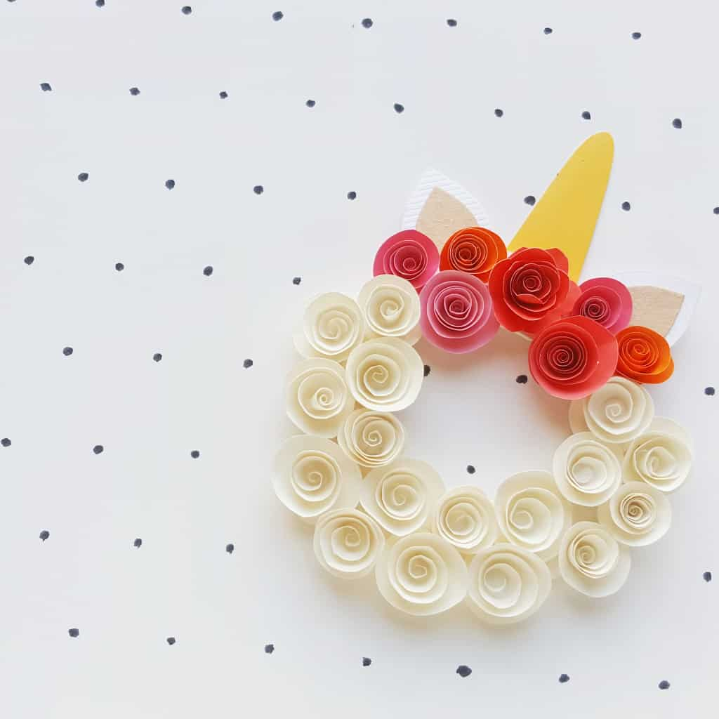 FYI - Not only is spring coming, but this Simple Unicorn Wreath is perfect for all the time--just customize it for whatever event is coming-up! Just, definitely, you need to make one, STAT! #nerdymammablog #unicorn #craft
