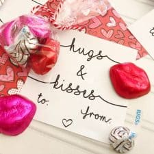 Hugs & Kisses Free Printable Valentines Cards