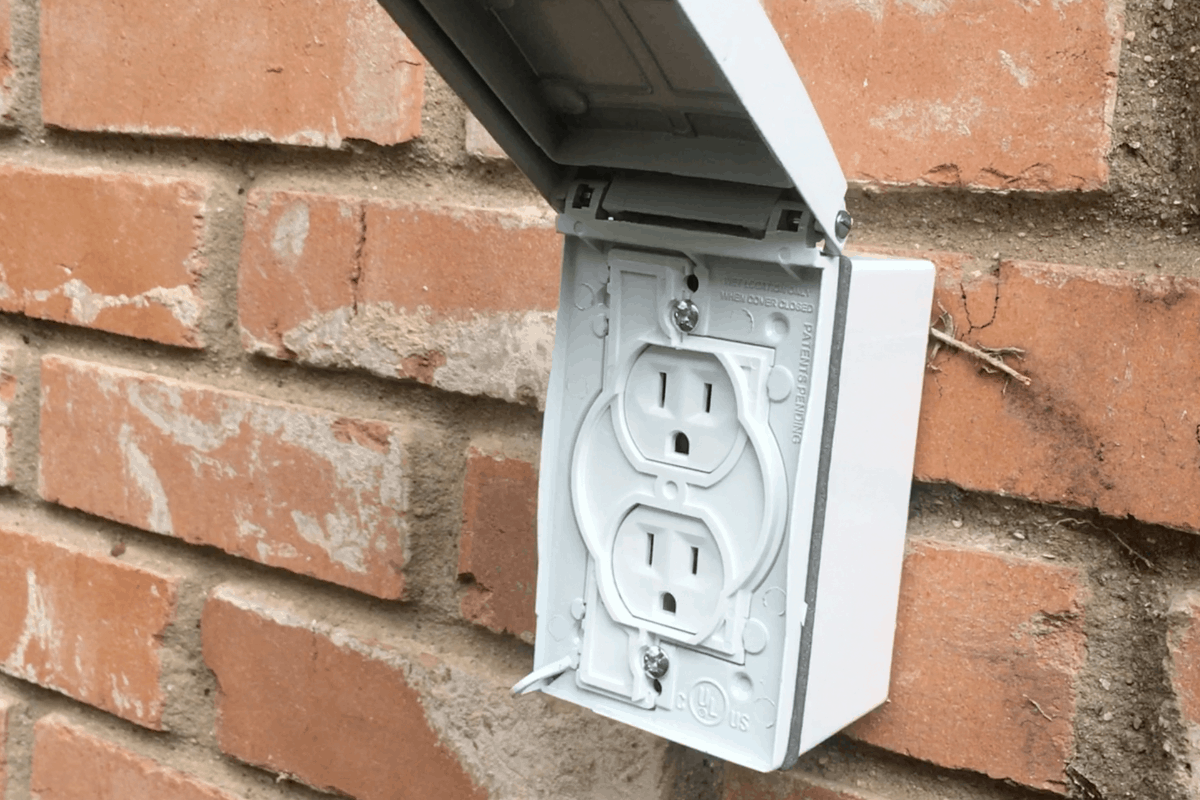I hope this tutorial for How to Install an Outdoor Plug sparks some interest--because this is so useful! I can use my leaf blower ANYWHERE! #nerdymammablog #diy #homeprojects