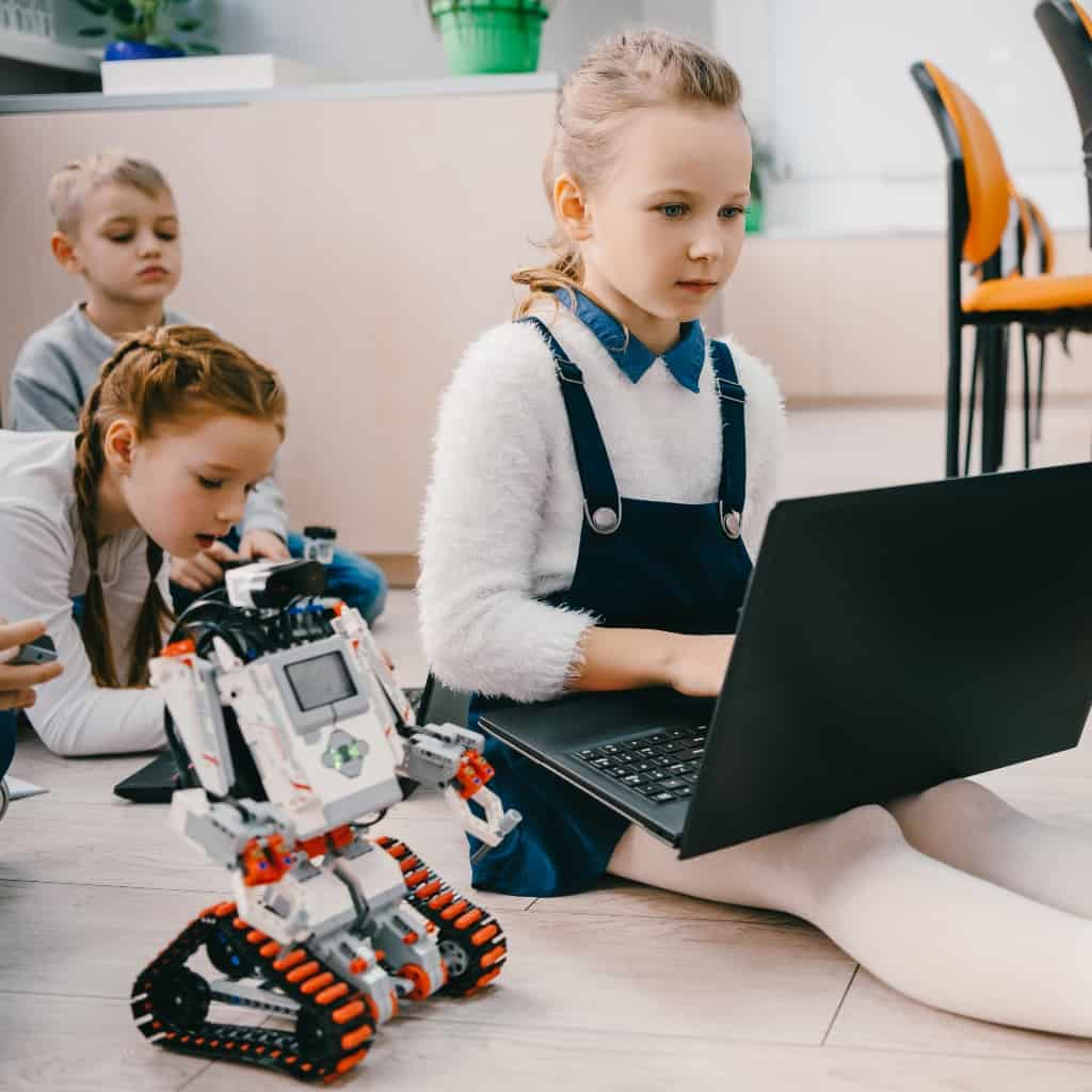 Look, I'm lazy and I know it. So I came up with these 5 Simple STEM Activities for the Lazy Parent to make my life easier. #nerdymammablog #stem