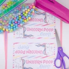 DIY Unicorn Poop Treats with Free Printable Bag Toppers