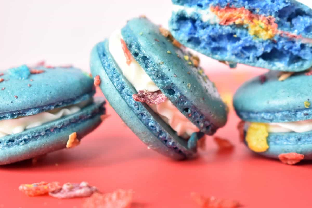 YES, I'm a child. Yes, I took a very grown-up, fantastic cooke and put kid's cereal on it. But these Fruity Pebbles Macarons are SO GOOD...you must try. #nerdymammablog #macaroncookies