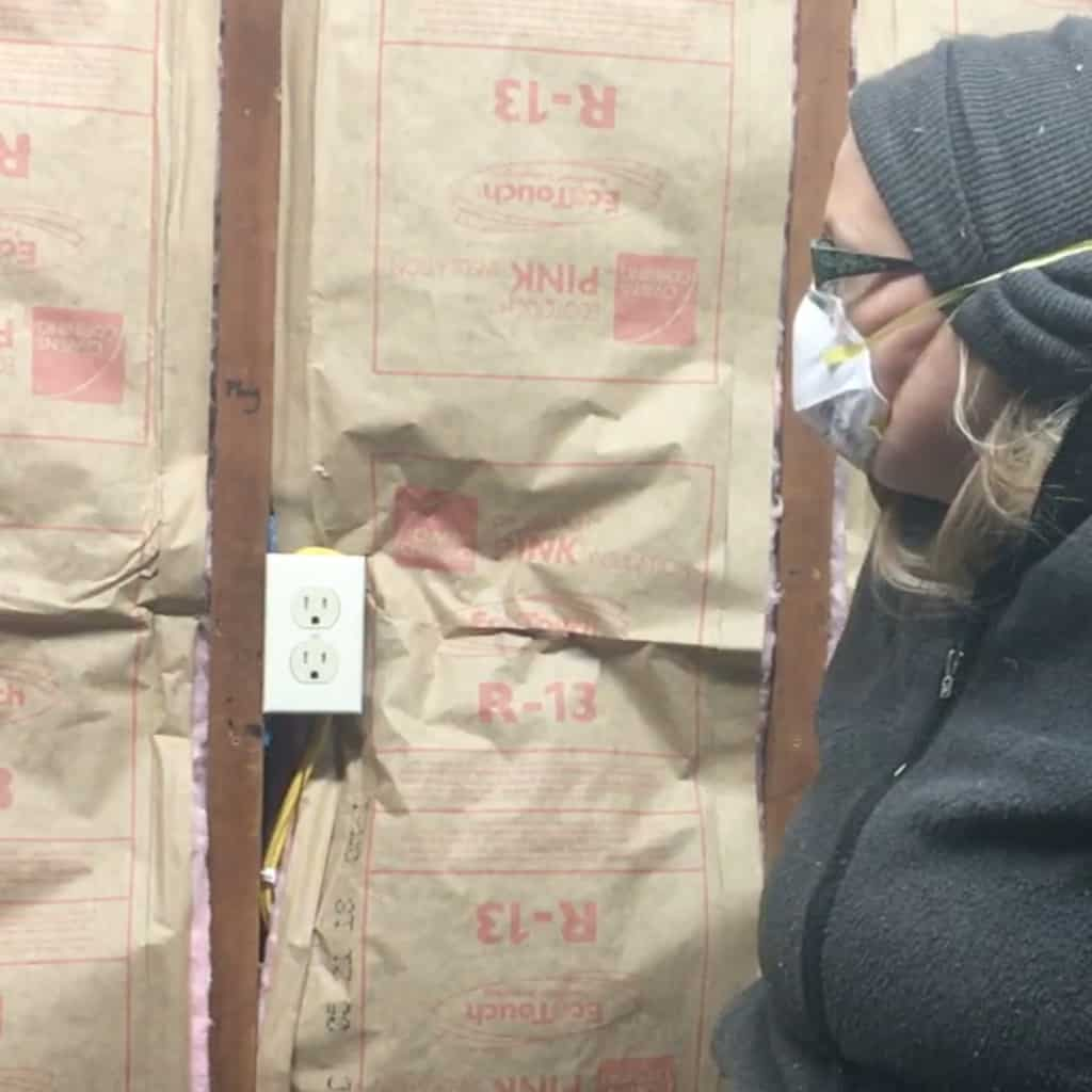 My garage was cold. Like really cold. So, I decided to figure out How to Insulate a Workshop or Garage so I'd be warm while I work! #nerdymammablog #diy #insulation #workshop