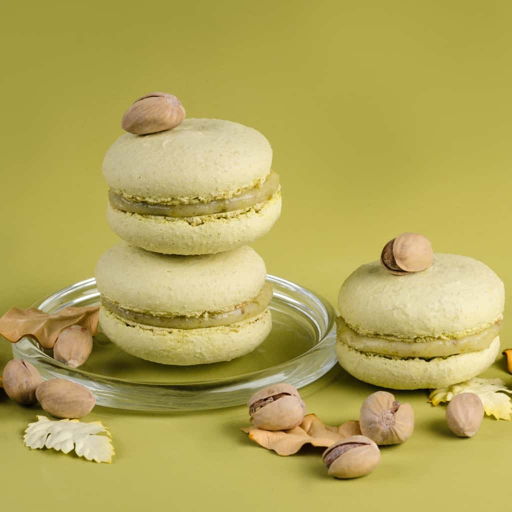 Sometimes you want to just try a fan-favorite snack. These Simple Pistachio Macaron Recipe are TOTALLY worth a try. #nerdymammablog #macaron