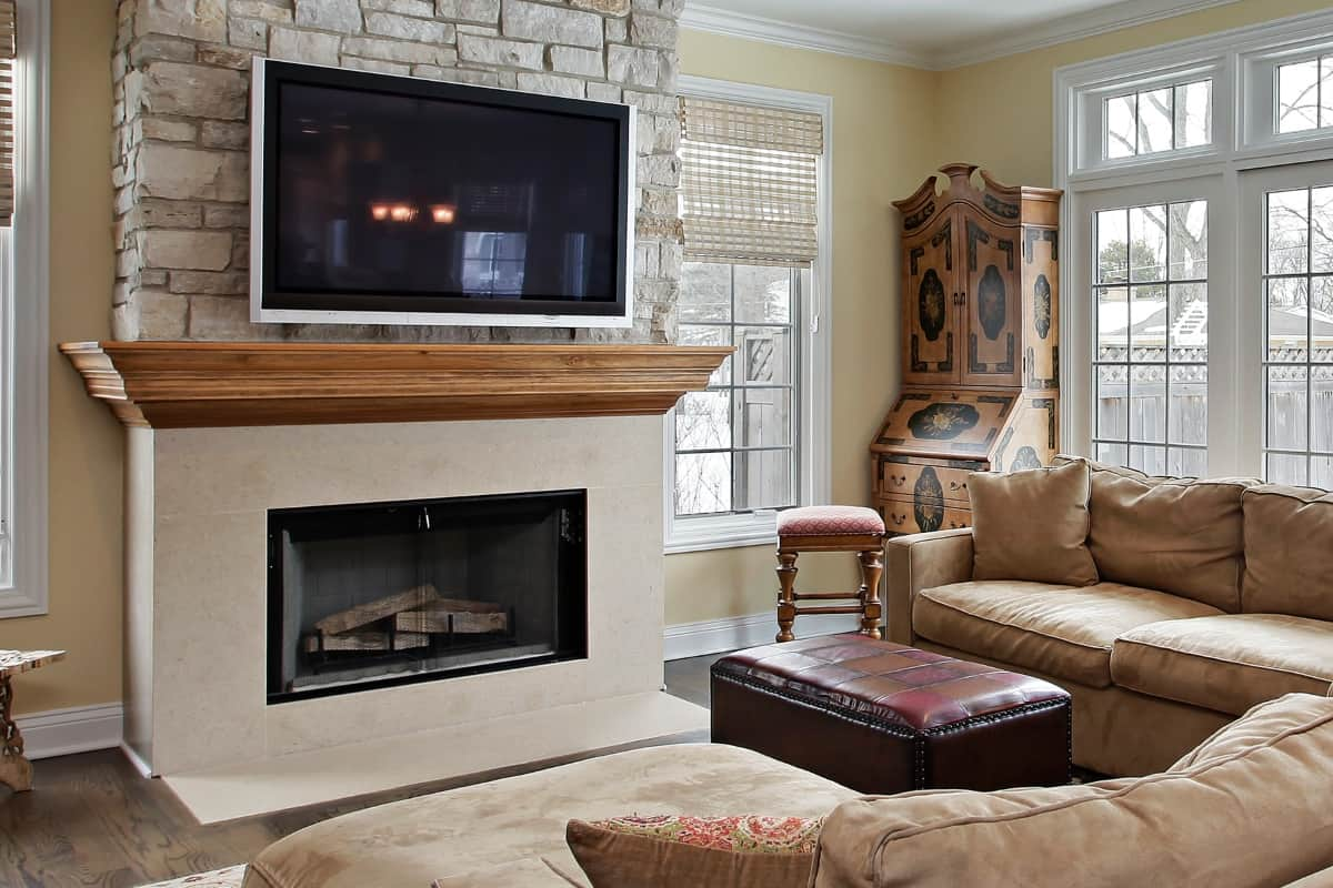 In Texas, every house comes with a fireplace. And they're in all sorts of shapes and sizes. Thinking about ours, I came up with these8 Budget-Friendly Fireplace Remodel Ideas. #nerdymammablog #remodel #diy #home #fireplace #fireplaceremodel